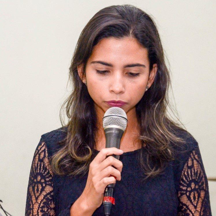 Aline Dias de Barros